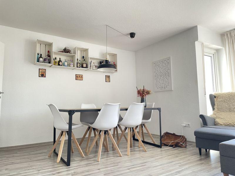 Schicke 3 Zimmer Wohnung mit Ausblick, Küche und Balkon / Nagold-Kernen